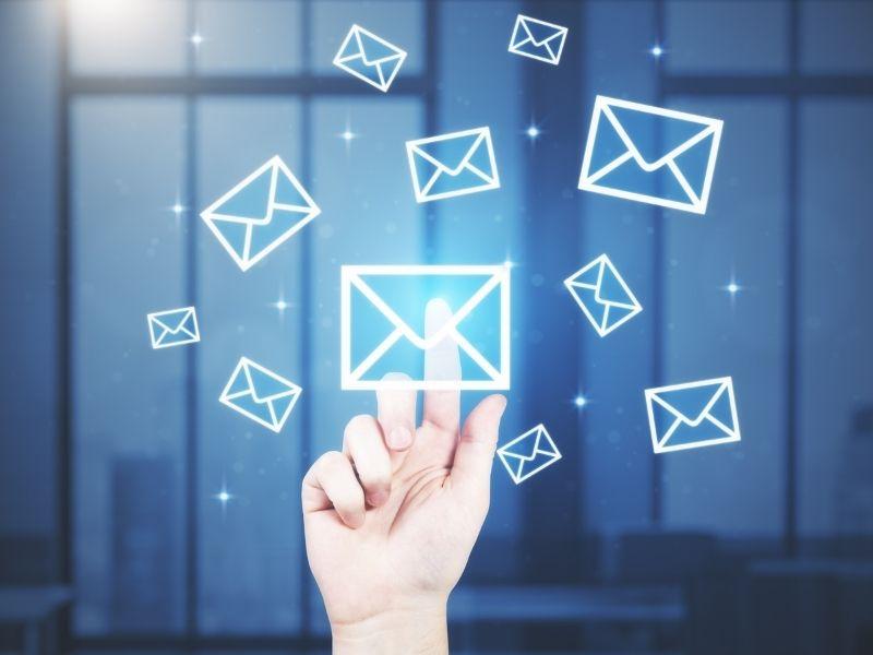 Umieszczanie służbowych adresów e-mail